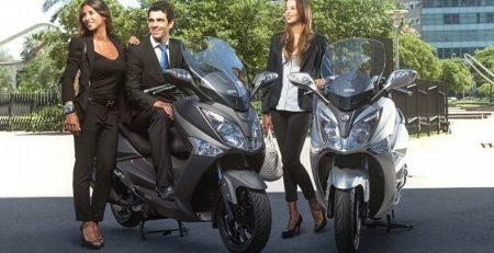 SYM Joymax Comfort 300 2 450x231 - Concesionario Motos en Madrid | Brixton, Kymco, Piaggio, Honda, Suzuki, Kawasaki, Sym